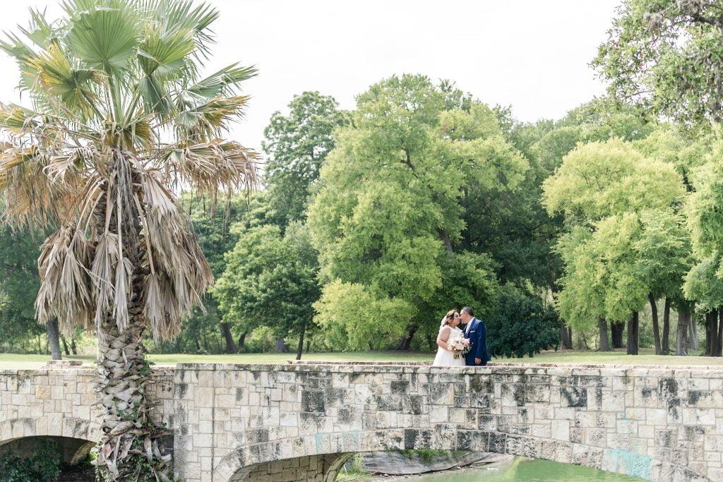 Michelle & Benny Brackenridge Golf Course Wedding 14