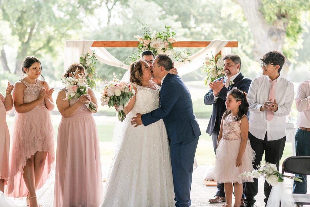 Michelle & Benny Brackenridge Golf Course Wedding 39